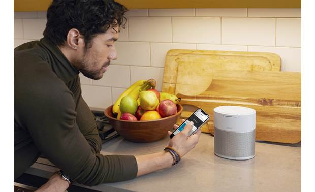 Bose® Home Speaker 300 Luxe Silver - simple control with the Bose Music app