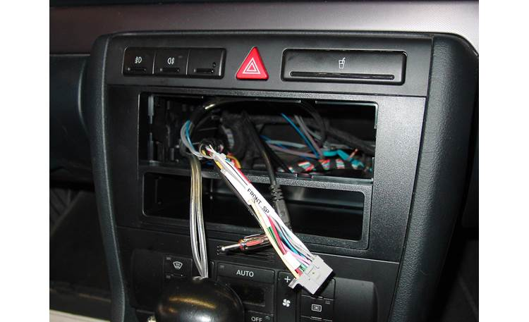 Metra 99-9105 In-dash Receiver Kit Kit installed (harness not included)