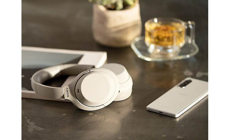 Sony WH-1000XM4 Headphones can pair to two devices simultaneously
