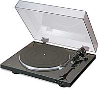 Denon DP300F turntable w.switchable phono preamp
